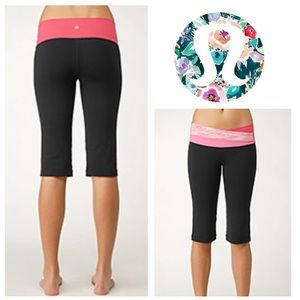 GORGEOUS!  Lululemon Astro crops Fruity Tooty 8